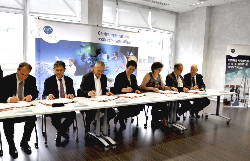 120618_SignatureConventionSite_(c)CNRS-Alpes